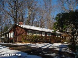 208 Hillside Dr, Hawley, PA 18428