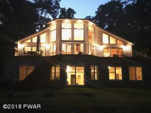 174 Fawn Lake Dr, Hawley, PA 18428
