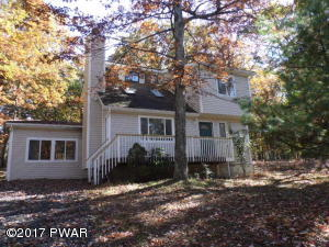 311 Surrey Dr, Lords Valley, PA 18428