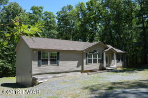 228 Upper Independence Dr, Lackawaxen, PA 18435