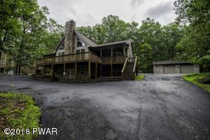 104 Lakeview Rd, Lackawaxen, PA 18435