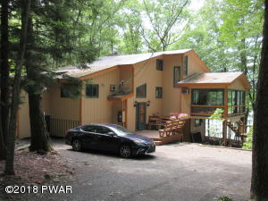 430 Canoebrook Dr, Lords Valley, PA 18428