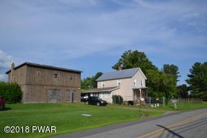 1105 Calkins Rd, Milanville, PA 18443