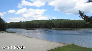 3 Mohican Rd, Lake Ariel, PA 18436