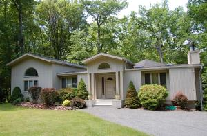 210 Forest Drive, Lords Valley, PA 18428