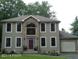 112 Black Forest Dr, Milford, PA 18337