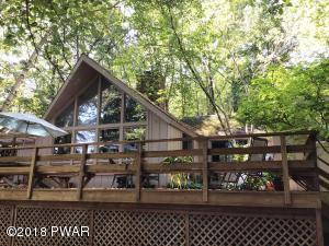 822 Dogwood Ct, Lords Valley, PA 18428