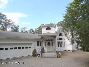 142 Eisenhower Dr, Lords Valley, PA 18428