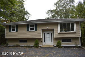 802 Mustang Ct, Lords Valley, PA 18428