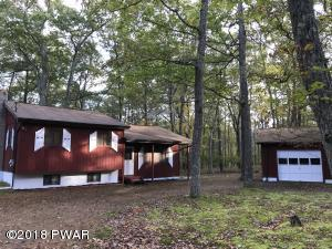 168 Lake Forest Dr, Dingmans Ferry, PA 18328