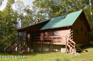 161 Waterview Dr, Hawley, PA 18428