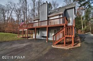 108 Sunfish Ln, Greentown, PA 18426