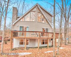 1048 Mountain Top Dr, Lake Ariel, PA 18436