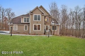 121 Spruce Run Dr, Dingmans Ferry, PA 18328