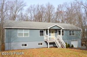 168 Tanglwood Dr, Greentown, PA 18426