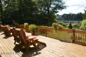 107 Cherry Point Cir, Canadensis, PA 18325