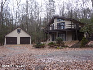 100 Redwood Ln, Greentown, PA 18426