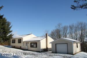 27 Van Dine Rd, Beach Lake, PA 18405