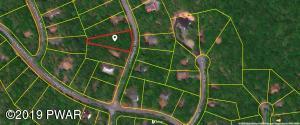 136 Candlewick Way, Lackawaxen, PA 18435