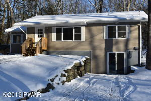 810 Woodland Court, Lords Valley, PA 18428