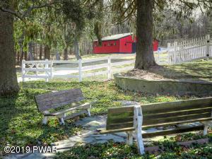 429 Sawkill Rd, Milford, PA 18337
