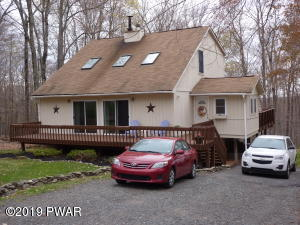 124 Wintergreen Cir, Greentown, PA 18426