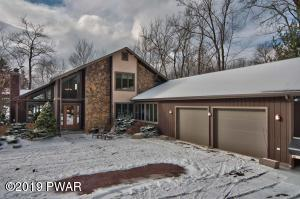 23 Lakeview Timbers Dr, Gouldsboro, PA 18424