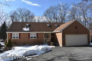 120 Pommel Drive, Lords Valley, PA 18428