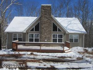 240 Upper Independence Dr, Lackawaxen, PA 18435