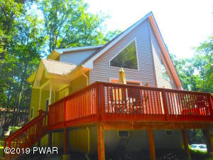 144 Lamplighter Ln, Lackawaxen, PA 18435