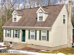 376 Raymondskill Rd, Milford, PA 18337