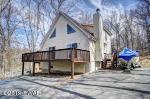 122 Laurel Rd, Lackawaxen, PA 18435