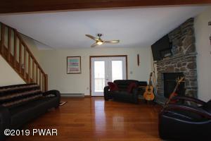 1709 Windemere Ct, Lake Ariel, PA 18436