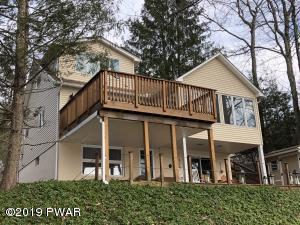 1056 Salem Park Ln, Lake Ariel, PA 18436