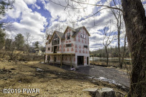 120 Briar Ct, Lackawaxen, PA 18435