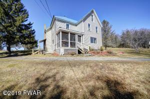 235 Elizabeth St, Hawley, PA 18428