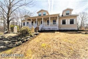 105 Boulder Dr, Lords Valley, PA 18428