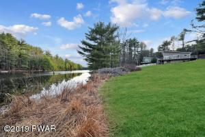 546 Silver Lake Rd, Dingmans Ferry, PA 18328