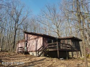 124 HICKORY Dr, Lords Valley, PA 18428