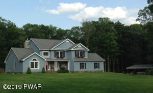127 Parkwood Dr, Hawley, PA 18428