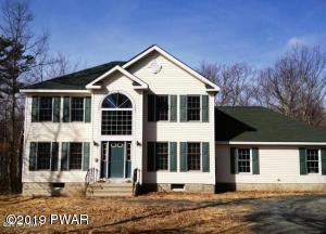 102 Goldrush Dr, Lords Valley, PA 18428