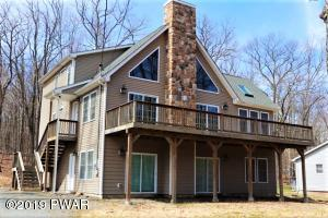 111 Paul Revere Rd, Lackawaxen, PA 18435
