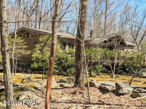 130 Willow Dr, Lords Valley, PA 18428