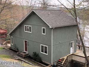 229 Laurel Ln, Greentown, PA 18426
