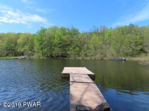 531 Finn Swamp Rd, Lakeville, PA 18438
