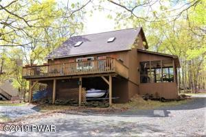 139 Powderhorn Dr, Lackawaxen, PA 18435