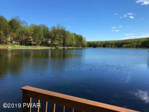 1100 Beaver Lake Dr, Lake Ariel, PA 18436
