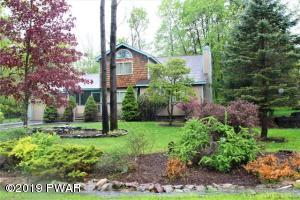 1036 Indian Dr, Lake Ariel, PA 18436