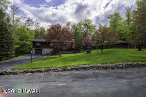 66 Hibernation Rd, Lake Ariel, PA 18436