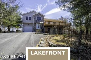 106 Private Dr, Dingmans Ferry, PA 18328